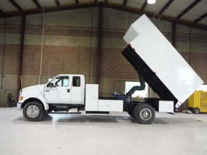 2006 FORD F750, 16' ARBORTECH L SHAPED CHIP BODY