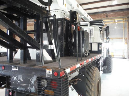 2010 INTERNATIONAL 7300 4X4 12 FT ALTEC FLATBED 75 FT WORK HEIGHT ALTEC LRV60-70 REAR MOUNT ELEVATOR MODEL BOOM