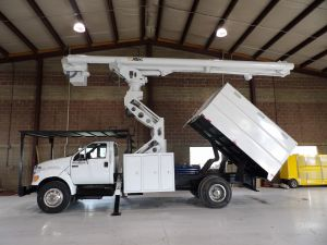 2010 FORD F750, 11' SOUTHCO FORESTRY BODY, 75' WORK HEIGHT ALTEC LRV60-70 ELEVATOR MODEL BOOM
