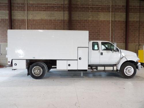 2006 FORD F650 UNDER CDL 16 FT ARBORTECH CHIP WITH L SHAPE TOOL BOXES