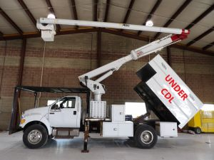 2010 FORD F750 11 FT ARBORTECH FORESTRY BODY 60 FT WORK HEIGHT ALTEC LRV55 MODEL BOOM