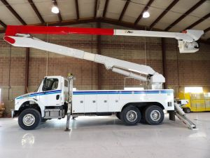 2008 FREIGHTLINER M2 106, 22' ALTEC UTILITY BED, 82' WORK HEIGHT A77-T MODEL BOOM W/ MATERIAL HANDLER