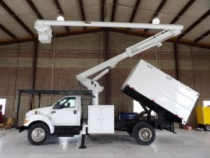 2012 FORD F650 11' SOUTHCO FORESTRY BODY, 60' WORK HEIGHT ALTEC LRV55 MODEL BOOM