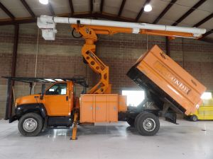 2009 GMC C7500 11 FT SOUTHCO FORESTRY BODY 75 FT WORK HEIGHT ALTEC LRV60-70