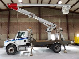 2007 FREIGHTLINER M2 BUSINESS CLASS, 16' FLAT BED, 60' WORK HEIGHT LRV55 MODEL BOOM