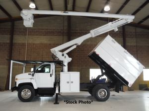 2006 GMC C6500, 11' SOUTHCO FORESTRY BODY, 60' WORK HEIGHT ALTEC LRV55 MODEL BOOM