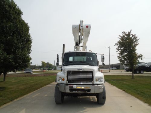 2007 FREIGHTLINER M2 106 6X6, FLATBED, 105' ALTEC AM900-100 REAR MOUNT DOUBLE ELEVATOR MODEL BOOM