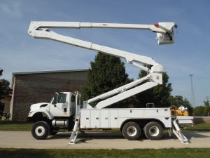 2011 INTERNATIONAL 7400 6X6, 22' UTILITY BED, 98' WORK HIEGHT ALTEC A77T-E93 MATERIAL HANDLER MODLE BOOM