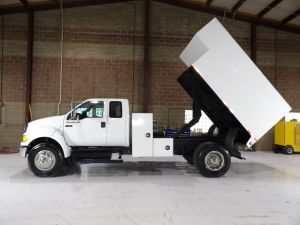 2010 FORD F750, 11' ARBORTECH CHIP BODY