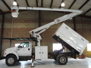 2010 FORD F750 11 FT SOUTHCO FORESTRY BODY 60 FT WORK HEIGHT ALTEC LRV55 MODEL BOOM
