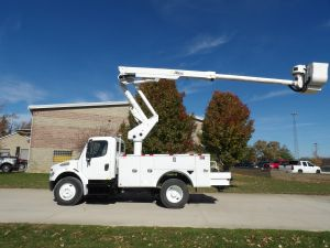 2016 FREIGHTLINER M2 BUSINESS CLASS 13 FT UTILITY BODY 45 FT WORK HEIGHT ALTEC TA40 MODEL BOOM