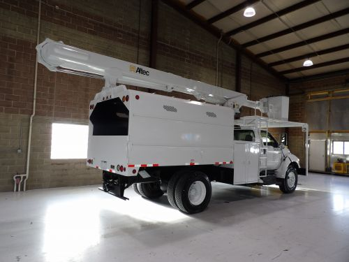 2011 FORD F750 11 FT SOUTHCO FORESTRY 63 FT WORK HEIGHT ALTEC LRV58 MODEL BOOM