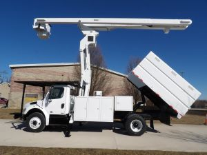 2011 FREIGHTLINER M2, 11' FORESTRY BODY, 75' WORK HEIGHT VERSALIFT VO270E ELEVATOR MODEL BOOM