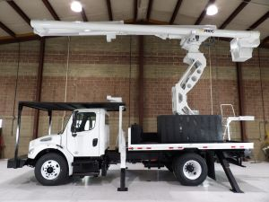 2013 FREIGHTLINER M2 106, FLATBED, 75' WORK HEIGHT ALTEC LRV60-70 ELEVATOR REAR MOUNT MODEL BOOM
