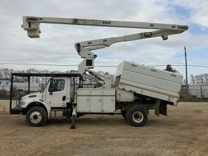 2011 FREIGHTLINER M2 106 4X4, 11' FORESTRY BODY, 75' WORK HEIGHT VERSALIFT VO270E ELEVATOR MODEL BOOM