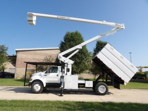 2009 FORD F750, 11' FORESTRY BODY, 65' WORK HEIGHT TEREX HI-RANGER XT60 MODLE BOOM