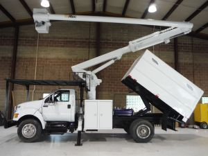 2013 FORD F750, 11' FORESTRY BODY, 61' WORK HEIGHT ALTEC LR756 MODEL BOOM