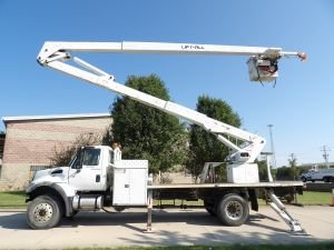 2007 INTERNATIONAL 7300 SFA 4X4, FLAT BED, 75' WORK HEIGHT LIFT ALL LM-70-2MS MATERIAL HANDLER MODEL BOOM
