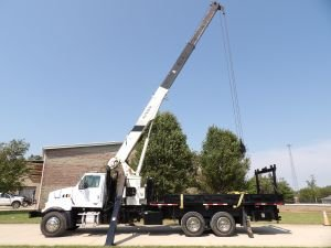 2008 STERLING ACTERRA 22 FT FLATBED 17 TON NATIONAL 600E2 3 SECTION CRANE