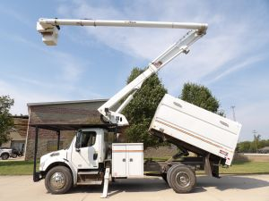 2011 FREIGHTLINER BUSINESS CLASS M2, 11' ALTEC FORESTRY BODY, 60' WORK HEIGHT ALTEC LRV55 MODEL BOOM