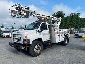 2009 GMC C8500 11 FT UTILITY BODY 40 FT WORK HEIGHT A-T40C TELESCOPIC  BOOM