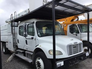 2005 FREIGHTLINER M2 106 CREW CAB 11 FT ALTEC FORESTRY BODY 60 FT WORK HEIGHT ALTEC LRV55 MODEL BOOM