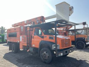 2007 GMC C7500 11 FT SOUTHCO FORESTRY BODY 61 FT WORK HEIGHT ALTEC LRV56 MODEL BOOM