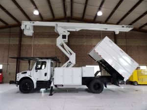 2011 FREIGHTLINER BUSINESS CLASS M2, 11' SOUTHCO FORESTRY BODY, 75' WORK HEIGHT VERSALIFT VO-270-E ELEVATOR MODEL BOOM