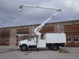 Bucket Trucks from 30 to 45 Feet