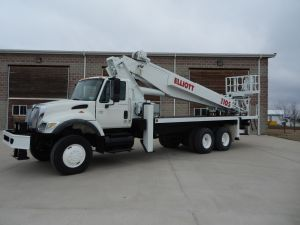 2003 International  7400 6x6 110 ft sheave height Elliot I-105 model Crane