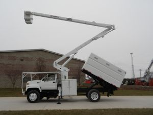 2002 GMC C7500 60 Ft. Terex Hi-Ranger XT55 Model Boom