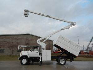 2002 GMC C7500 60 Ft. Work Height Terex Hi-Ranger XT55 Model Boom
