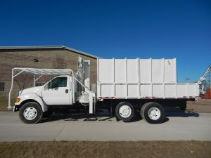 2001 Ford F-750 Super Duty 14 ft. Removable top box, National Crane Knuckle Boom