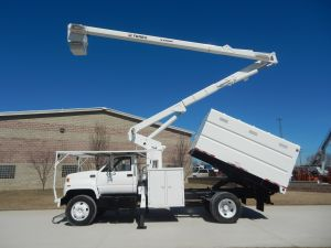 2002 GMC C7500, 11 ft. Southco chip box, 60 ft. work height Terex Hi-Ranger XT55 model boom