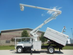 2002 GMC C7500 11 Ft. Southco Forestry Body 60 Ft. Altec LRV55 Model Boom