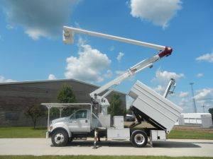 2004 Ford F-650 XL Super Duty 11 Ft. Arbortech Forestry Body 60 Ft. Work Height Altec LRV55 Model Boom