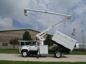 2002 GMC C7500 11 Ft. Southco Forestry Body 60 Ft. Work Height Altec LRV55 Model Boom