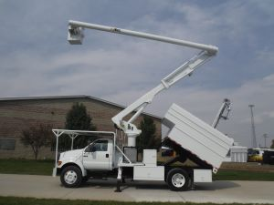 2004 Ford F650 11 Ft. Arbortech Forestry Body 60 Ft. Work Height Altec LRV55 Model Boom