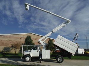 2003 GMC C7500 11 Ft. Southco Forestry Body 61 Ft. Work Height Altec LRV56 Model Boom