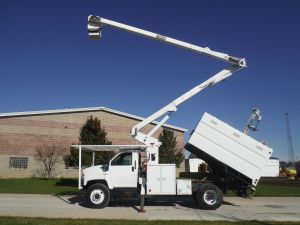 2003 Chevrolet C7500 11 Ft. Southco Forestry Body 60 Ft. Work Height Hi-Ranger XT55 Model Boom