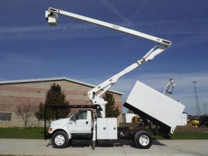 2008 Ford F750 11 Ft. Arbortech Foresty Body 65 Ft. Work Height Versalift V0260 Model Boom