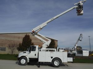 2003 International 4300 14 Ft. Dakota Utility Box 46 Ft. Work Height W/ Material Handler Lift All Boom