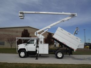 2005 GMC C7500 11 Ft. Southco Forestry Body 60 Ft. Work Height Hi-Ranger XT55 Model Boom