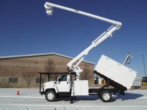 2005 GMC C7500 11 ft. Southco Chip Box, 60 ft. work height Altec LRV55 Model Boom