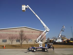 2006 SKYLIFT MINI ARBORIST 43 FT. TEREX H-RANGER BOOM TL38P MODEL, W/ 16 FT. TANDEM AXLE TRAILER
