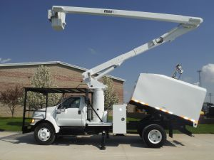 2008 FORD F-750 11 FT. ARBORTECH FORESTRY BODY, 60 FT. WORK HEIGHT VERSALIFT VO255 MODEL BOOM